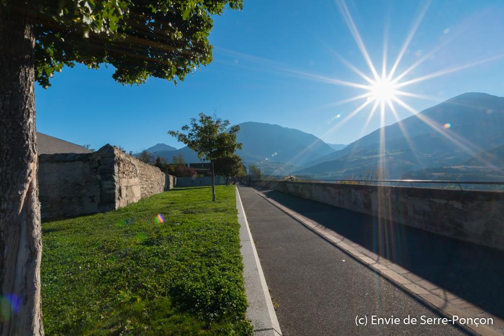 Promenade belv d re du bord du roc et jardin de l for Vers du jardin
