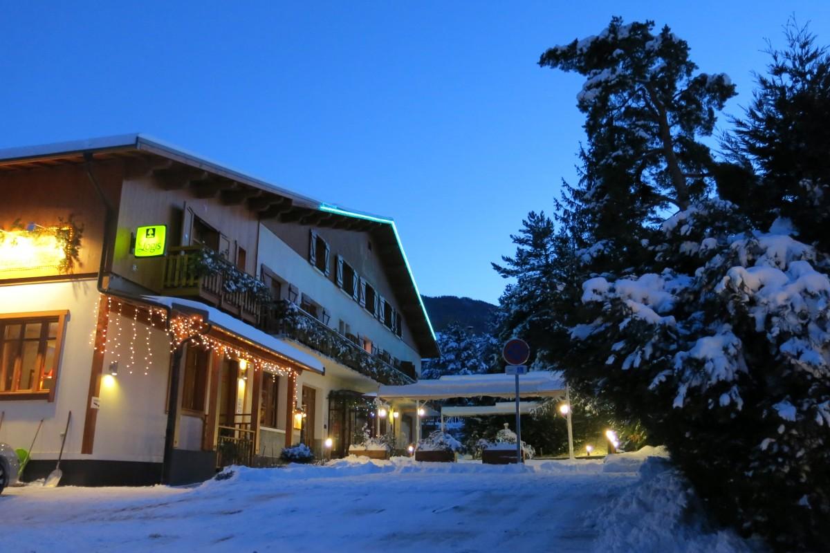 Hôtel *** Restaurant Spa Les Peupliers à EMBRUN