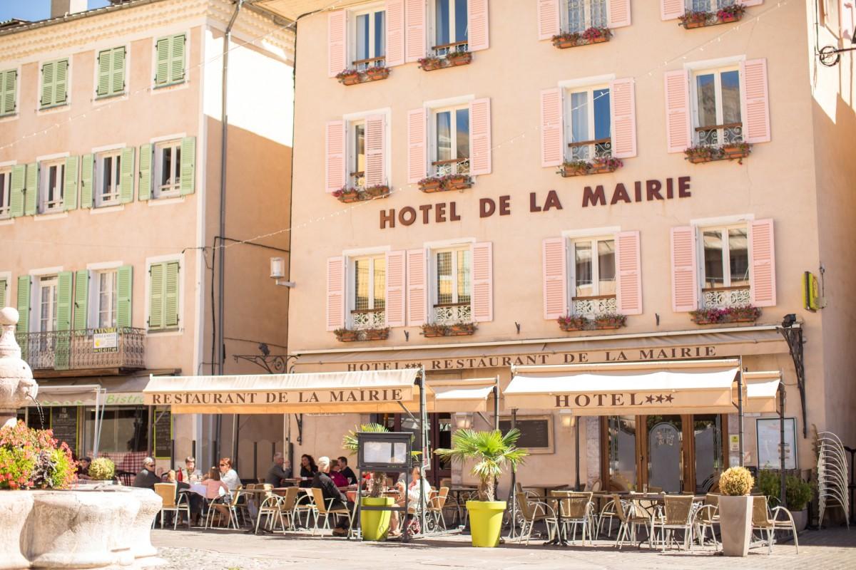 Hotel *** Restaurant La Mairie à EMBRUN